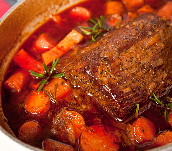 Round Beef Roast with Carrots and Yams in Dominio Del Rey Wine Stew.