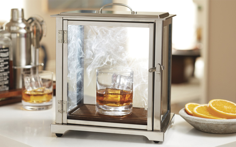 7 Must-have Bar Gifts for the Holiday Season
