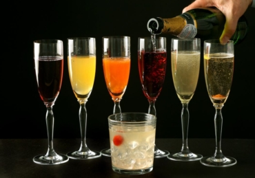 These 5 Simple Champagne Cocktails Can Find You the Love of Your Life