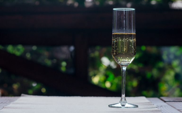 This Bright, Bracing Italian Sparkler Could Be a 'Prosecco Killer' — if Given the Chance
