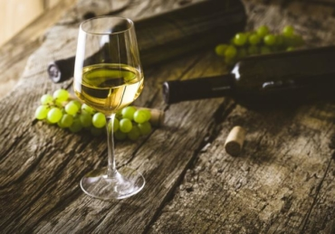 11 Types of Dry White Wine