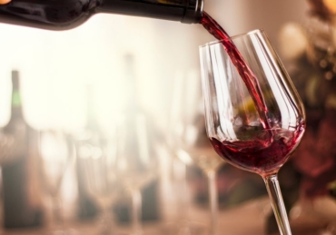 How to Improve Your Skin's Beauty With Wine Facial Therapy