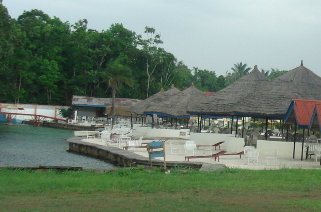 Abraka-Gordons-Beach-Resort