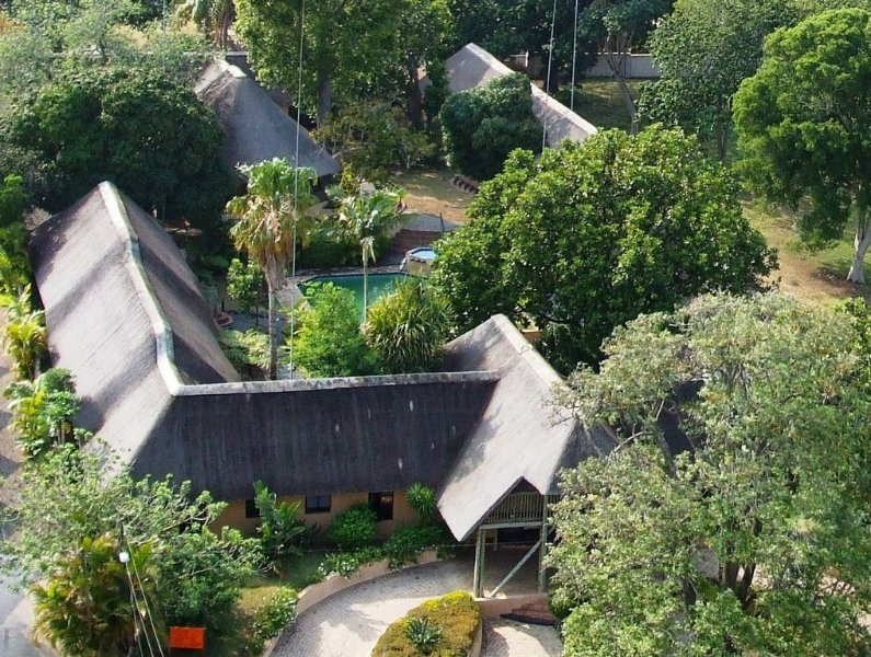 Amazulu-Lodge-1