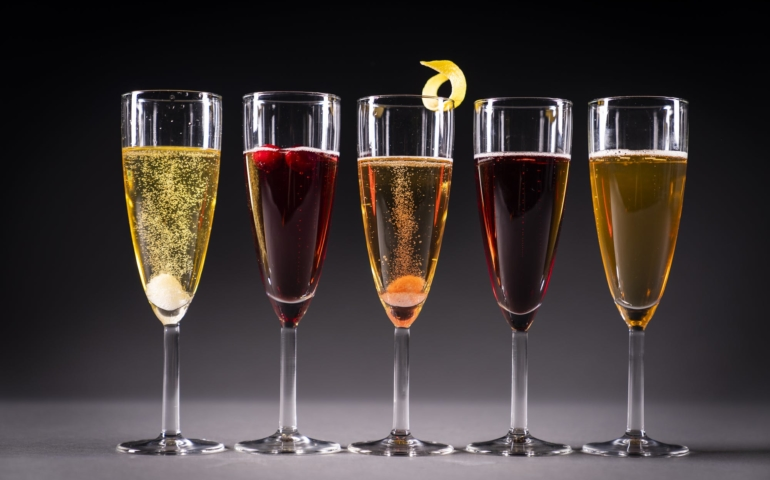The Sparkling Wine Cocktails Everyone Should Know How To Make