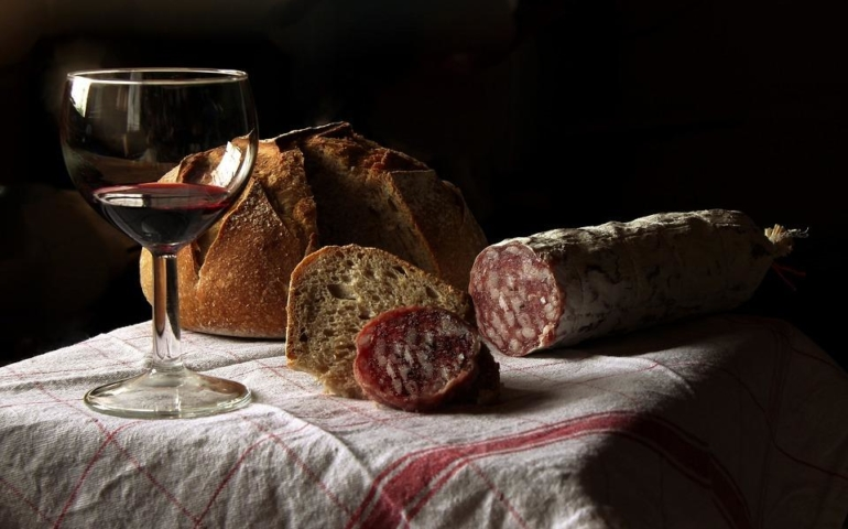 A Case for Pairing White Wine with Beef
