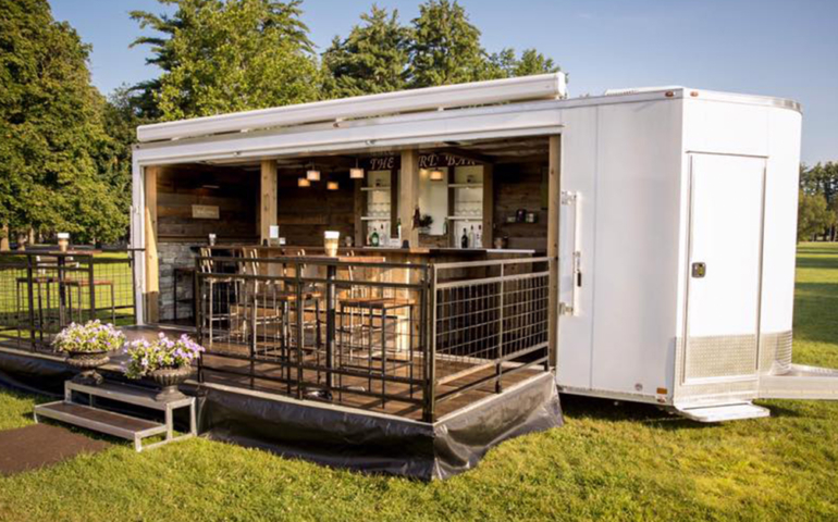 This Pop-Up Bar Brings the Party to Your Backyard