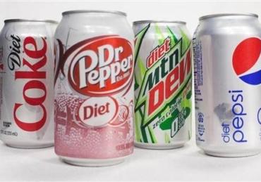 9 Disturbing Side Effects Of Drinking Regular And Diet Soda