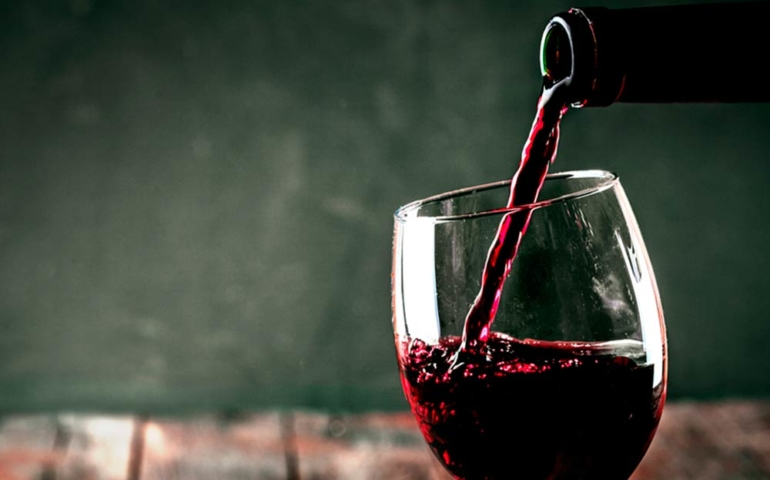 Health Benefits of Wine During Lunch