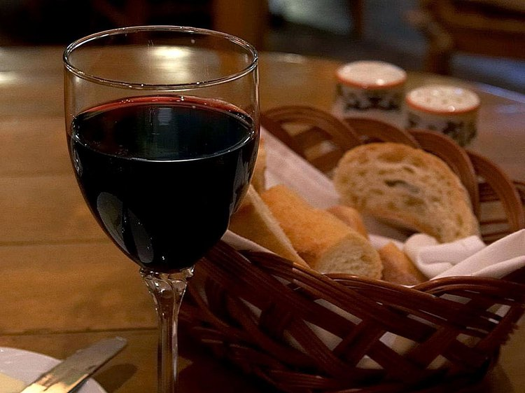 What Are the Benefits of Merlot Wine?