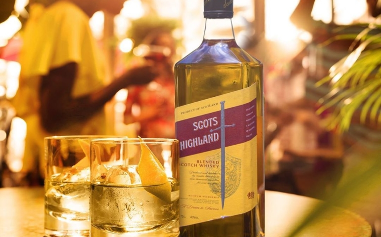 Light Up Your Weekend With These Simple Scots Highland Cocktails