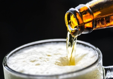 Coronavirus 'alcohol ban': Venues can stay open, but can't sell booze