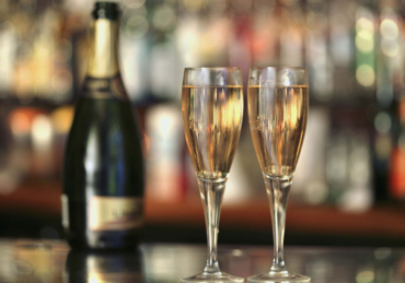9 Tasty & Inexpensive Sparkling Wines To Order Right Now