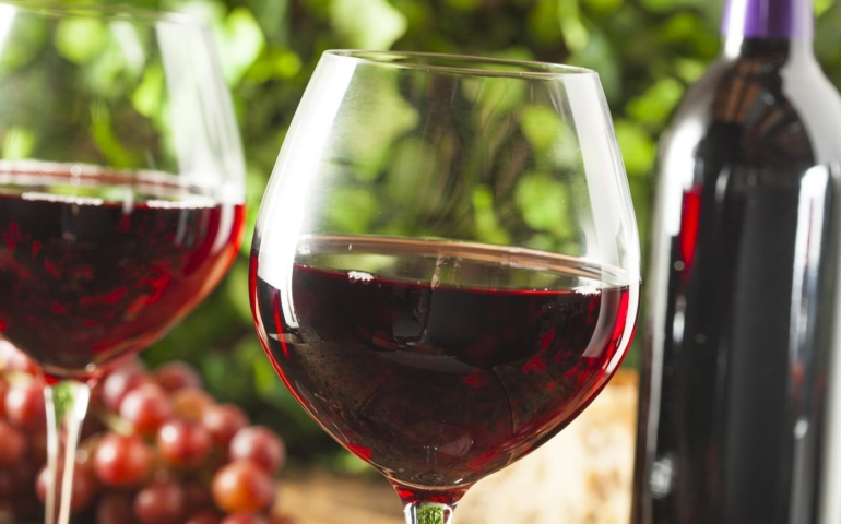 Best Dry Wines To Drink Right Now