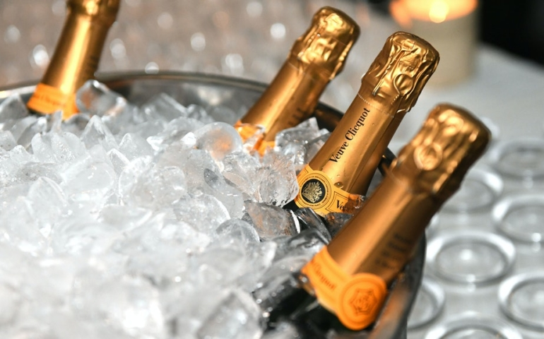 How Does Champagne Differ from Sparkling Wines?