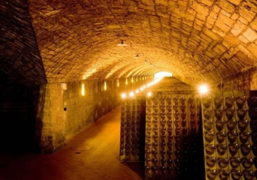 Franciacorta: Premium Wine Regions Facing the Covid-19 Challenge