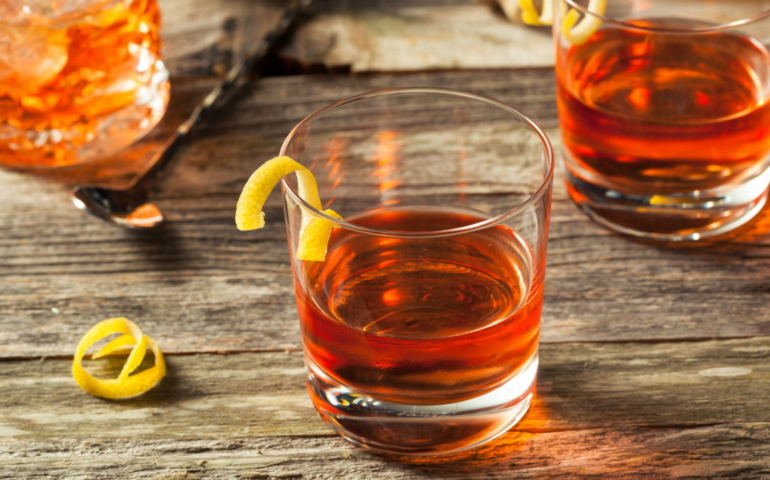 5 Classic Whiskey Cocktails You Should Know How to Make