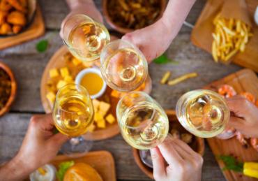 Every Major White Wine Type, Explained
