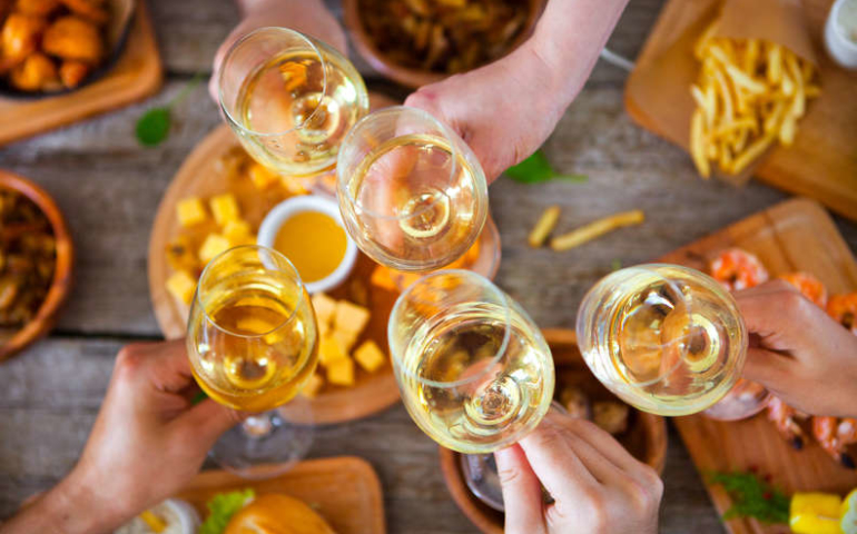 Every Major White Wine Type, Explained