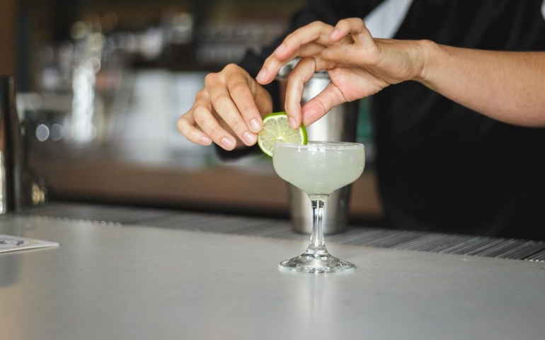 10 Easy Cocktail Recipes You Need to Know