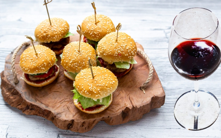 7 Interesting Tricks on How to Pair Wine with Food