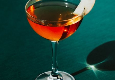 6 Essential Cocktails to Try in November
