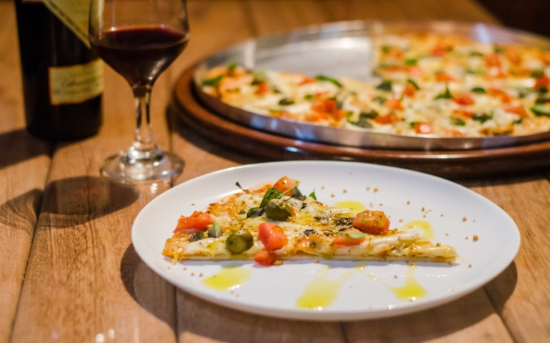5 Rose Wines to Pair with Pizza In Lagos, Nigeria