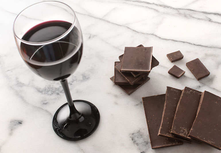 7 Health Benefits of Red Wine and Chocolate